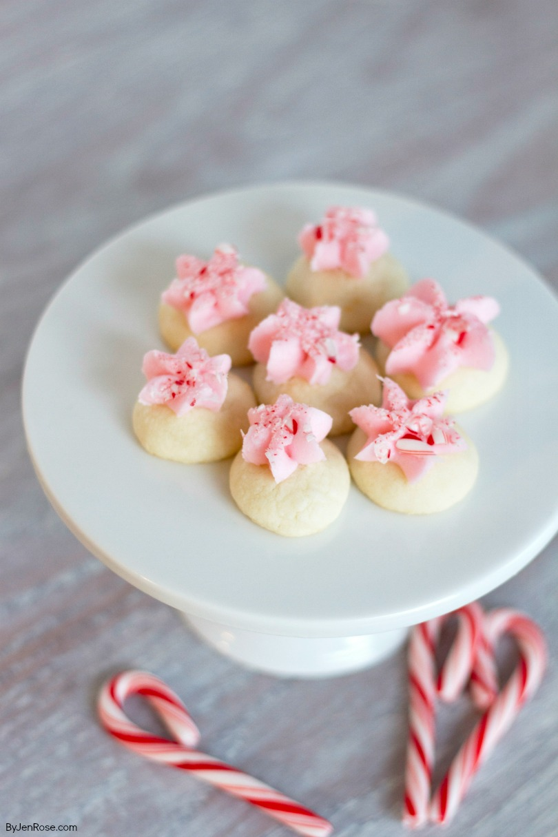 peppermint-meltaway-cookie-recipe | Peppermint Meltaway Cookies Recipe featured by Utah lifestyle blog, By Jen Rose