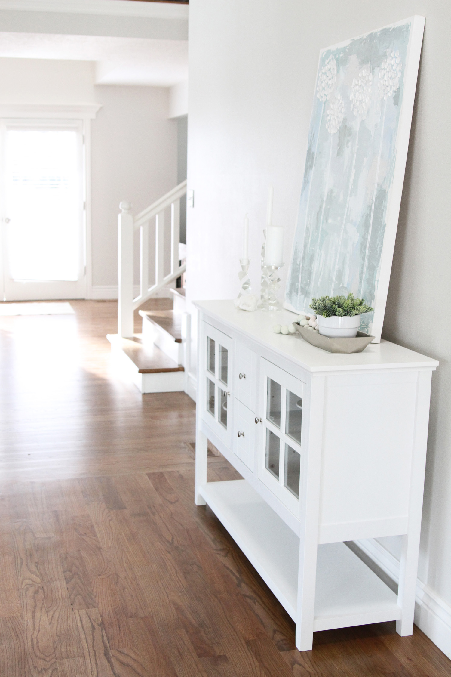 Foyer Area Utah : White entryway table