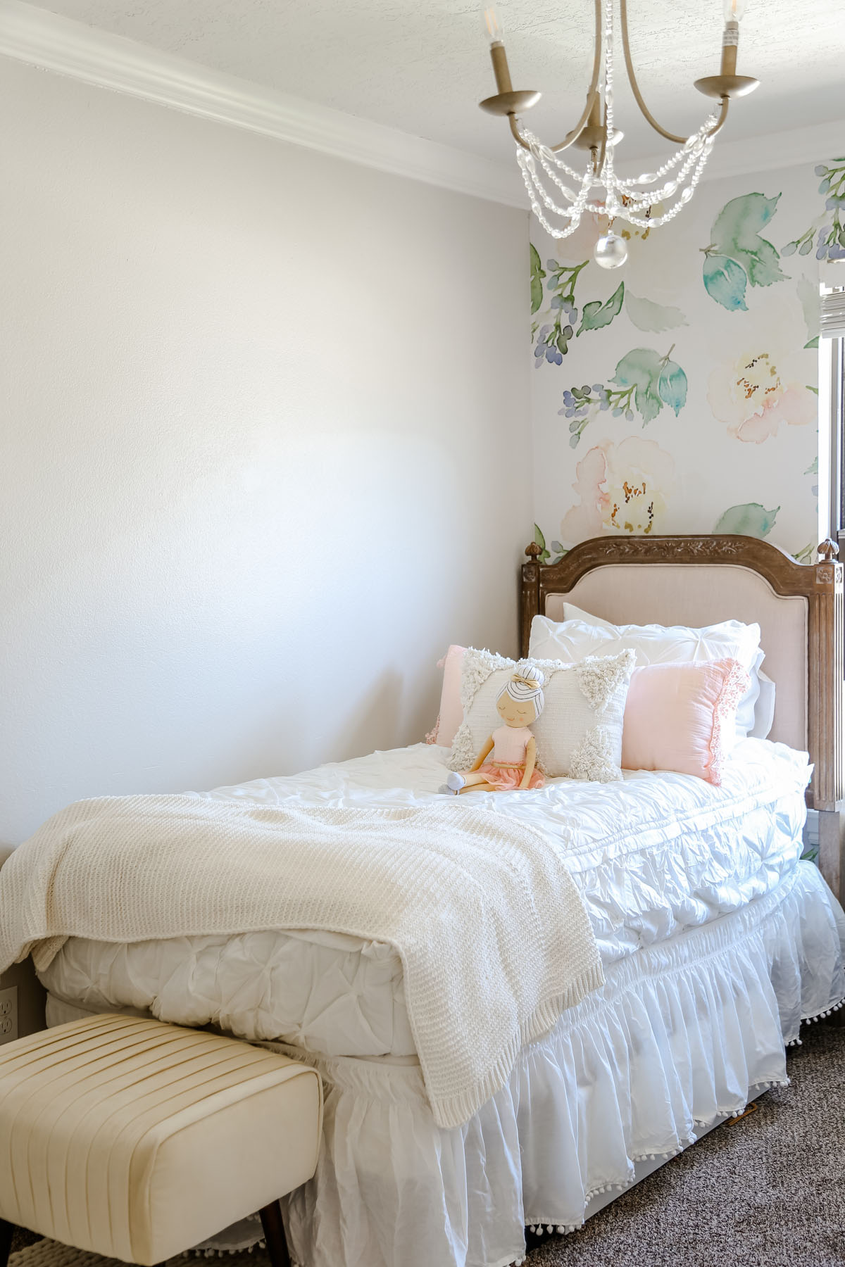 Girls Room Makeover with Before & After Pictures by Utah lifestyle blogger, By Jen Rose